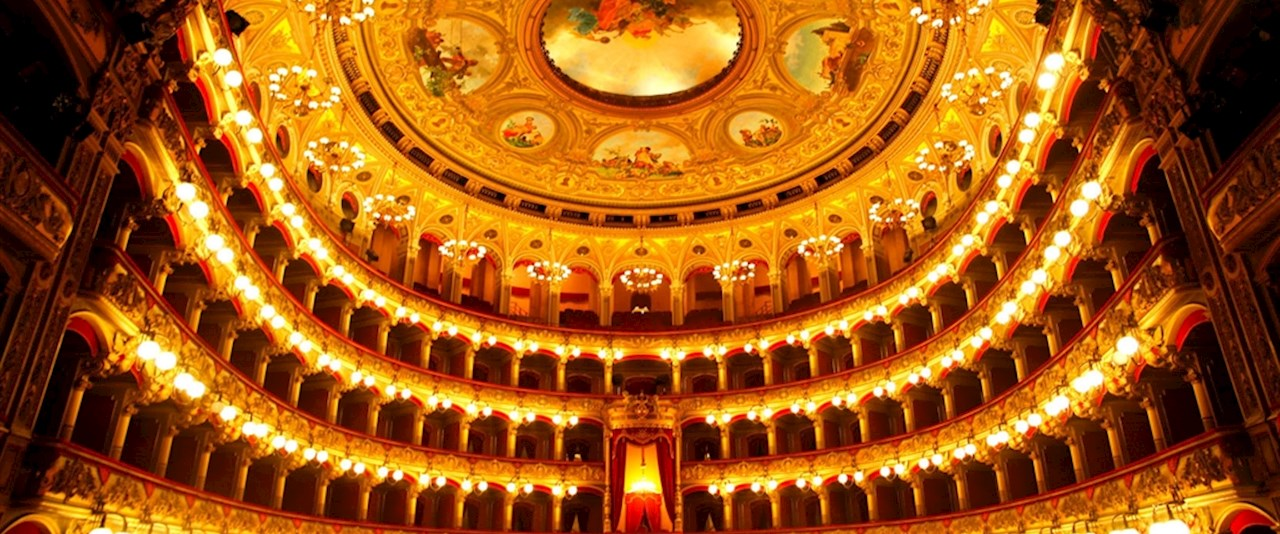 <a href='dettagli.aspx?c=1&sc=3&id=7&tbl=eventi'><div class='slide_title'><h3>Si apre la stagione teatrale</h3></div><div class='slide_text'><span>La grande tradizione teatrale di tutti i tempi, i nomi che hanno fatto e che fanno grande la storia del teatro italiano, mostri sacri della scena teatrale contemporanea, attori televisivi alla prova d ...</span></div></a>